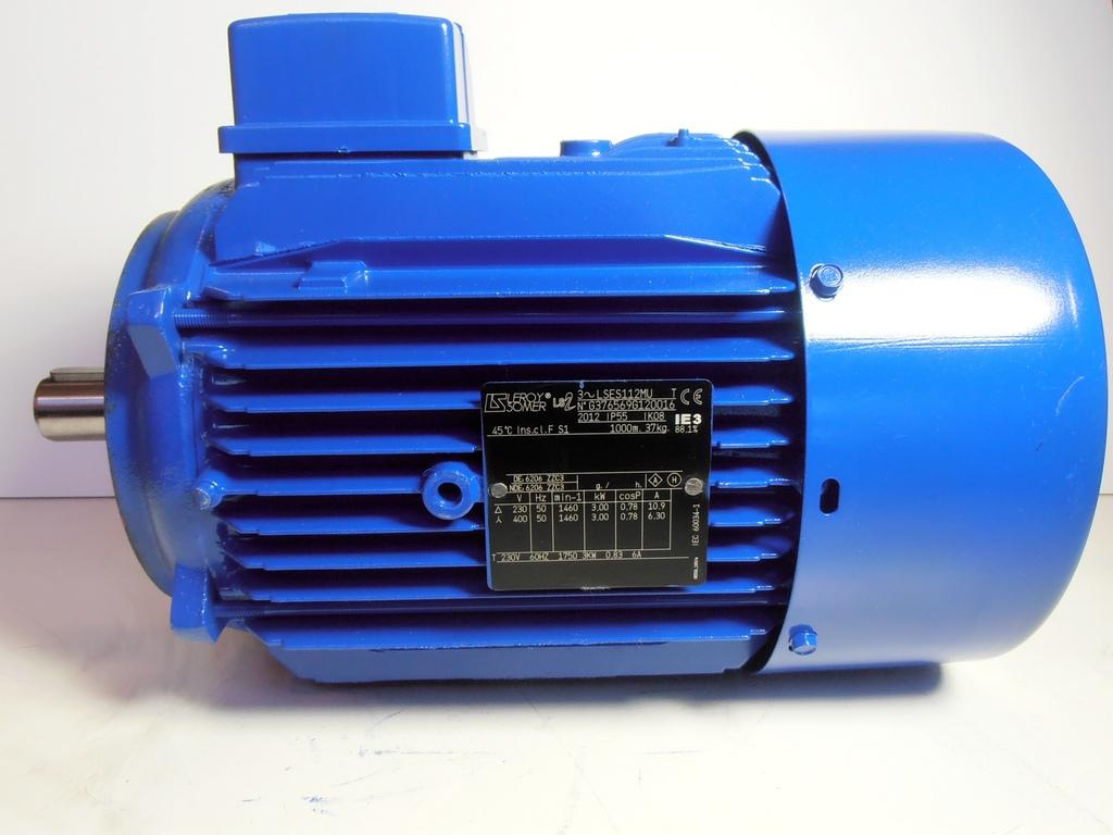 Silnik indukcyjny 3 - fazowy Leroy Somer typu LSES1112MU 230/400V o mocy 3 kW, prędkości 1460 obr/min, ważący 37 kg.