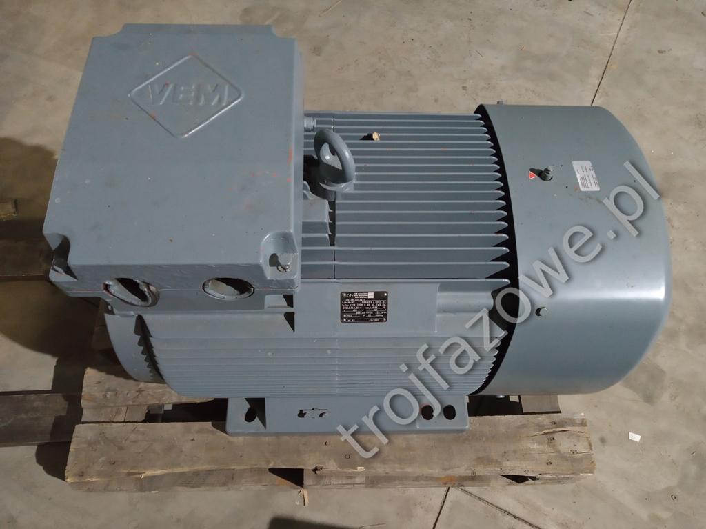 Silnik elektryczny 90 kW 900 obr/min.